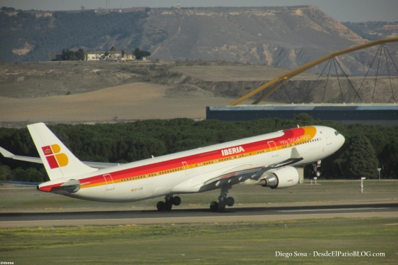 DESPEGUE A333 IB EC-LUB 8-MAR-14 MAD-JFK